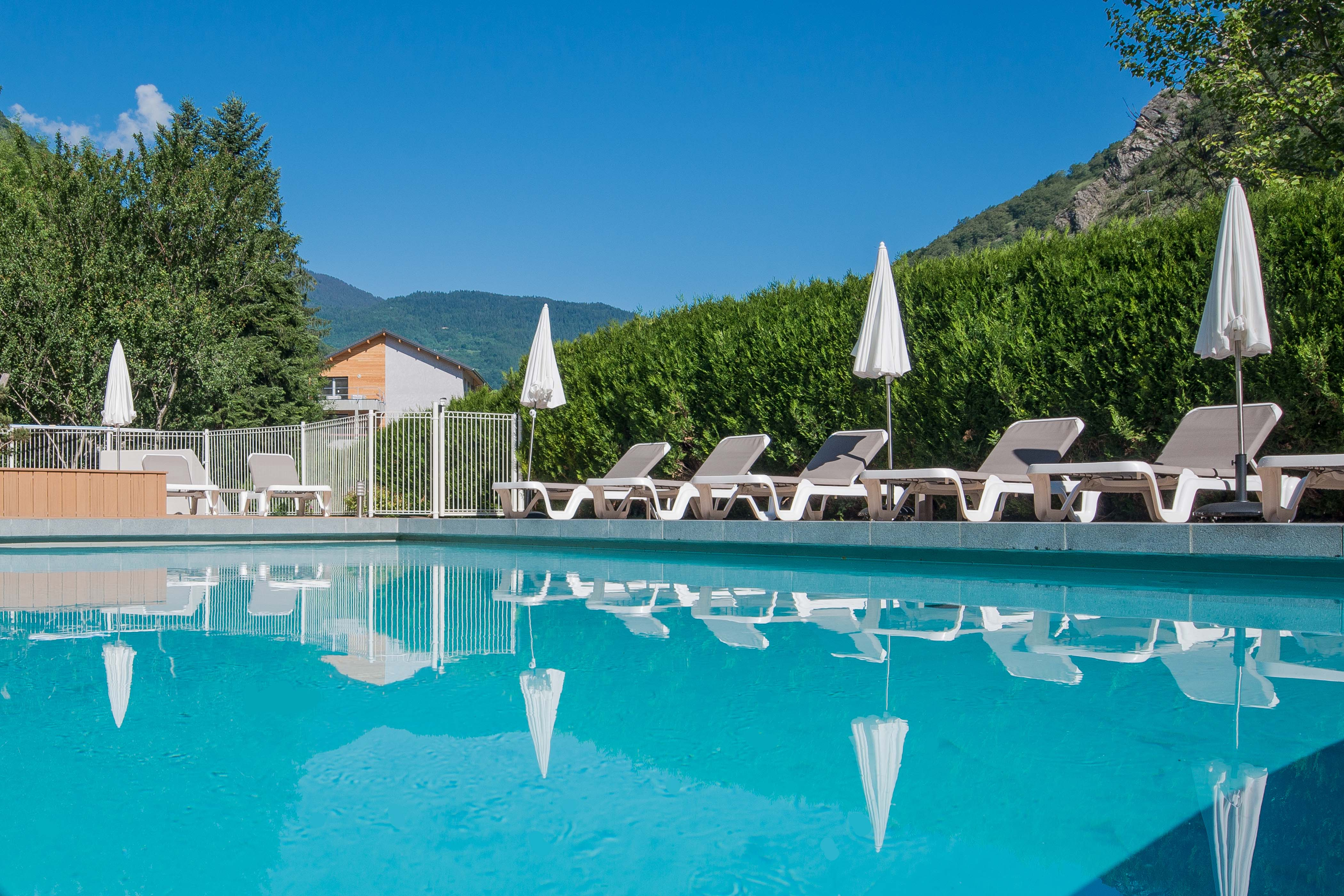 Top Hotel family resort french alps : Savoy Hotel Brides les Bains  SO12